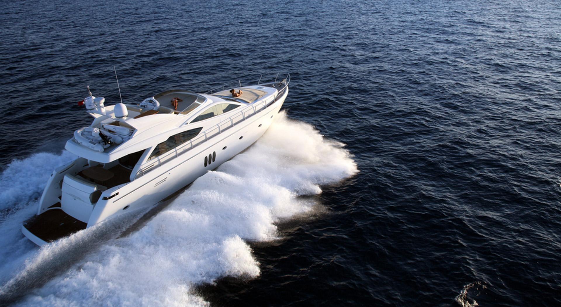 Logo & Yacht